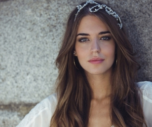 crown, pretty, and clara alonso image