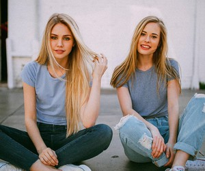 girl, blonde, and style image