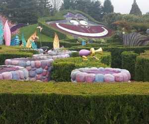 yesterday, disneyland paris, and alice's curious labyrinth image