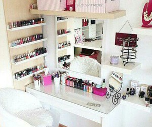 cosmetics, paint brushes, and room image