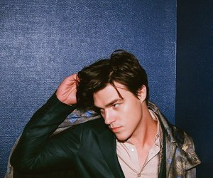finn wittrock and ahs image