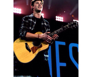 boy and shawnmendes image
