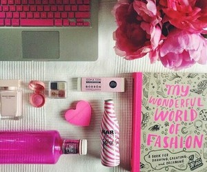 study space and girly desk image
