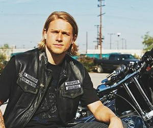 Charlie Hunnam and sons of anarchy image