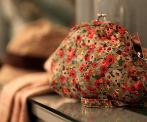 flowery and purse image