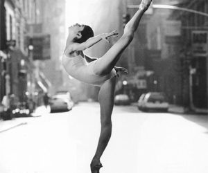 ballet, calle, and dancer image