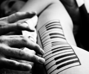 fingers, Nude, and piano image