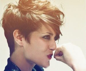 short hair, style, and curtos image