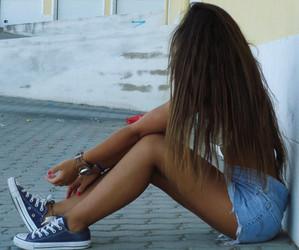 girl, hair, and converse image