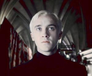 harry potter, hogwarts, and pale image