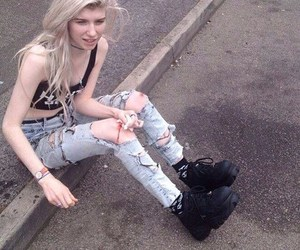 grunge, pale, and girl image