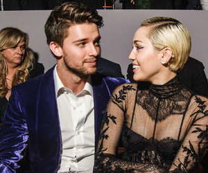 miley cyrus, couple, and smile image