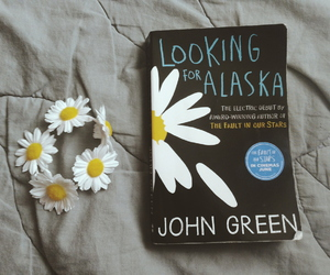 book, looking for alaska, and daisy image