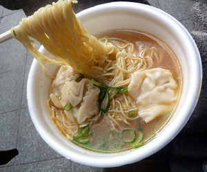 food, ramen, and noodles image