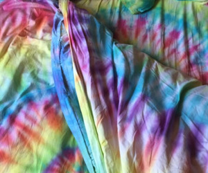 bed, grunge, and tie dye image