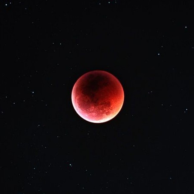 luna, red, and moon image