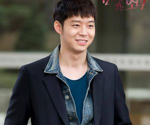 micky, the girl who sees smell, and yoochun image