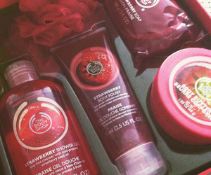 body shop, boxe, and cosmetic image
