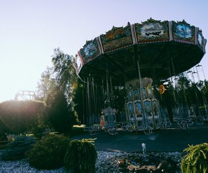 carousel and russia image