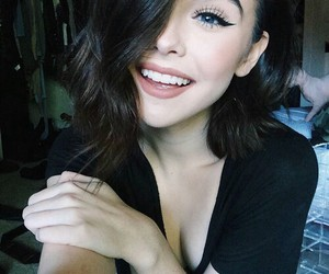 girl, beauty, and acacia brinley image