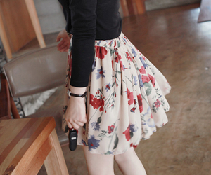 fashion, pretty, and skirt image