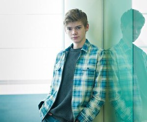 thomas sangster, newt, and thomas brodie-sangster image