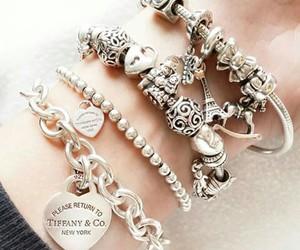 tiffany & co, bracciale, and braccialetti image
