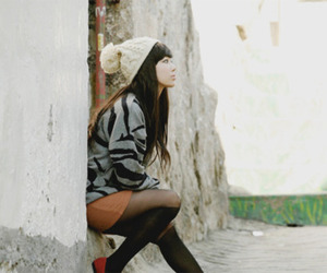 asian, girl, and hat image
