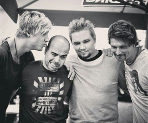 sunrise avenue, samu haber, and riku rajamaa image