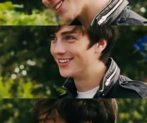 aaron johnson, smile, and boy image