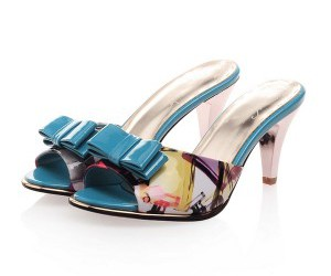 pretty sandals, wedge heel modern sandals, and casual leather sandals image