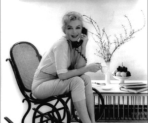 Marilyn Monroe, black and white, and phone image