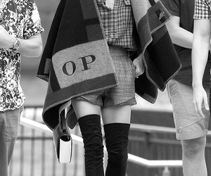 fashion, olivia palermo, and Burberry image