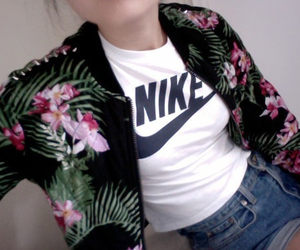 nike, pale, and grunge image