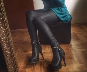 heels and ootd image
