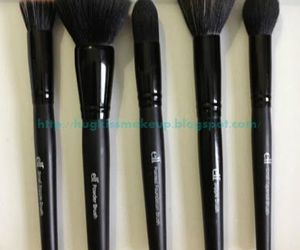 Brushes, make up, and sponge image