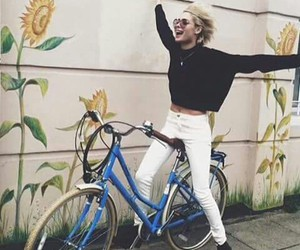 nina nesbitt, bicycle, and happy image