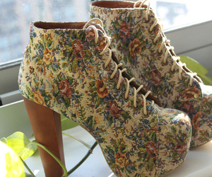 fashion, floral print, and cute image