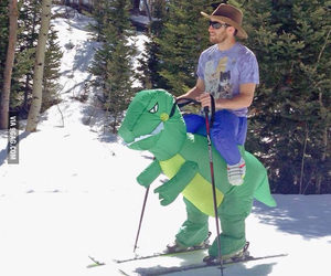 funny, dinosaur, and Skiing image