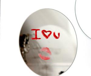 i love u, kiss, and mirror image