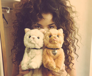 singer and ella eyre image