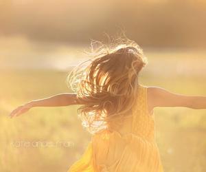 girl and freedom image