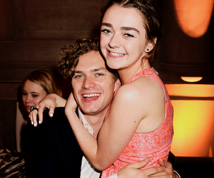 maisie williams and game of thrones image