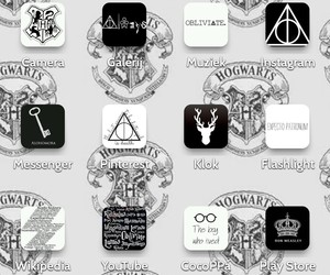 black and white, harry potter, and hogwarts image