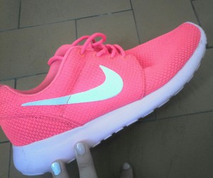 fluo, nike, and roche run image