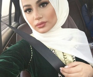 muslim, beauty, and hijab image