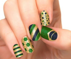 nails and brasil image