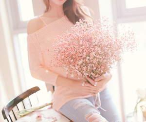 beautiful, bouquet, and woman image