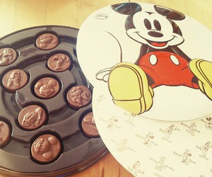 chocolate, micky mouse, and disney image