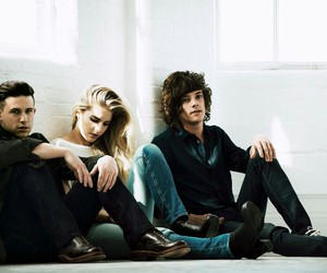 music and london grammar image